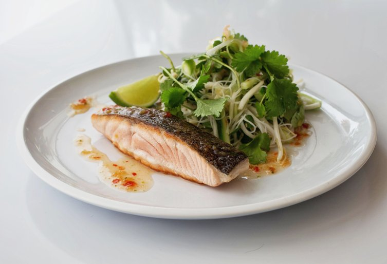 Seared salmon and coriander salad